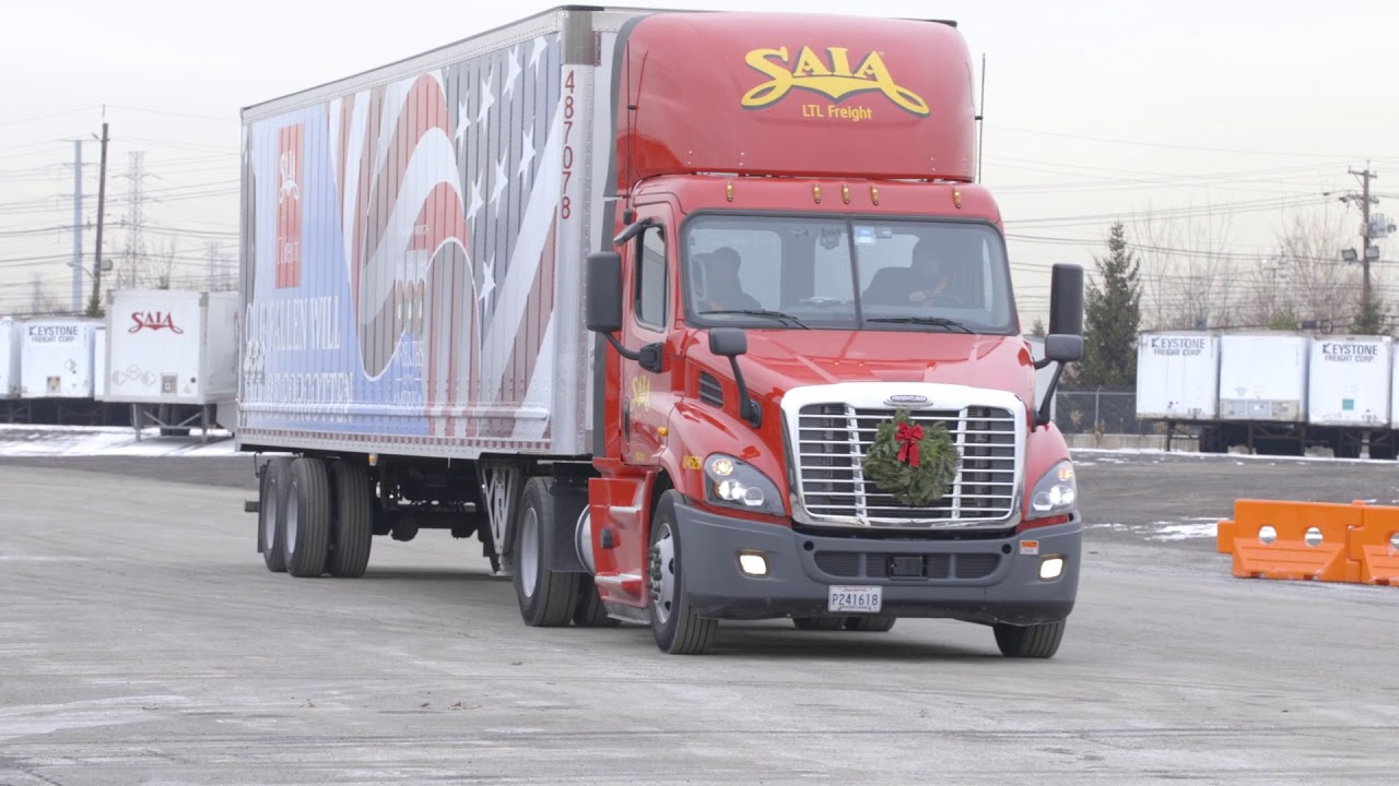 Saia Assists Wreaths Across America with Annual Mission