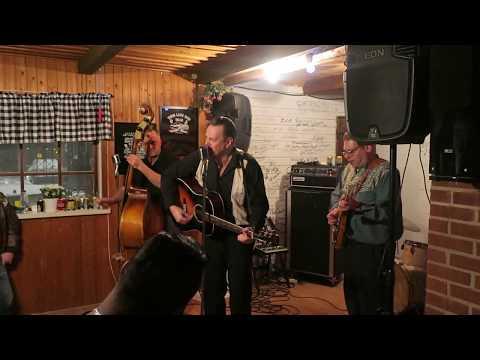 Jack Baymoore and The Bandits - Blue Moon of Kentucky