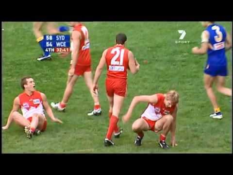 leo barry 39 s mark 2005 afl grand final youtube. Black Bedroom Furniture Sets. Home Design Ideas