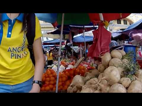 Walking Along Hildalgo Street Quiapo Manila