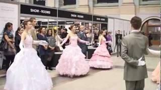 видео Volvo-Неделя моды в Москве (осень-зима 2011-2012). День седьмой: Konstantin Gayday, Pavloff, Alexander Terekhov и другие