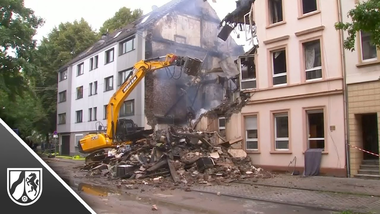 explosion in mehrfamilienhaus in wuppertal f nf verletzte. Black Bedroom Furniture Sets. Home Design Ideas