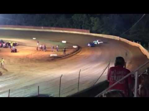 Four cylinder dirt tracking racing