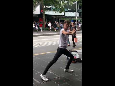 Australia Day - Street performances - Kris Juggling