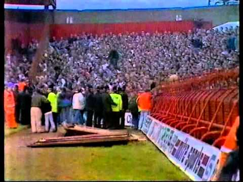 leeds united fans in ayresome park crush youtube