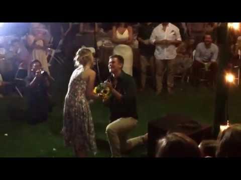 bouquet-toss-proposal