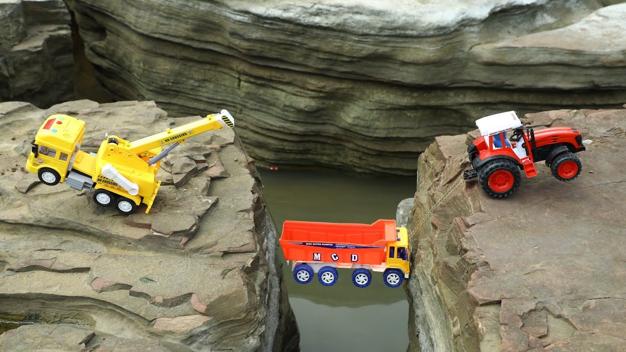 Tata Truck Heavy Loaded Kiss Me Chocolate Accident Bruder Tractor Rescue By Crane | CS Toy