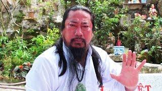 Cư sĩ Núi Cấm biểu diễn nội công Thất Sơn Thần Quyền/Hoàng Bạch Long