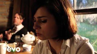 PRAG - Sophie Marceau im 3/4 Takt