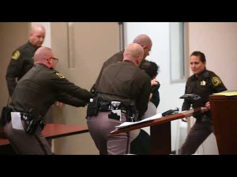 Man struggles against deputies as he is sentenced for murdering a 4-year-old