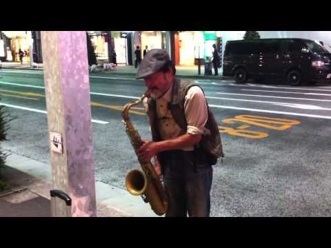 ginza-saxophone-player