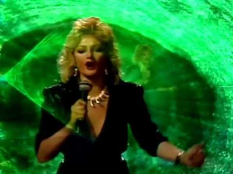 Bonnie Tyler -- Total Eclipse Of The Heart Video HQиз YouTube · Длительность: 5 мин28 с  · Просмотры: более 7.000 · отправлено: 11-10-2016 · кем отправлено: RockAndDiscoMusic