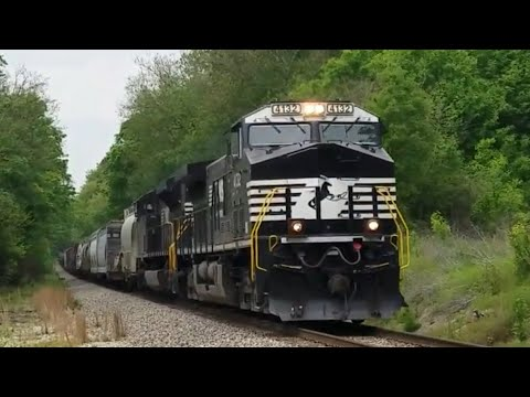 Norfolk Southern 4132 mixed freight in Cleveland Tennessee