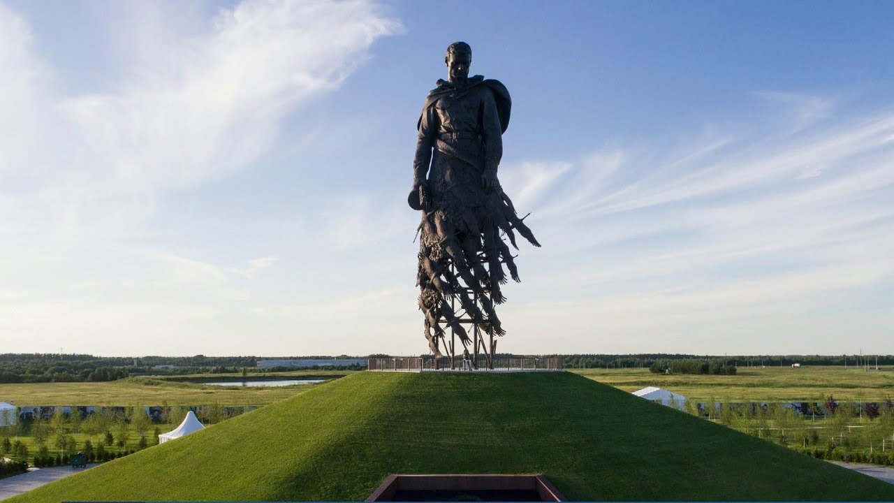 При Путине увековечивание памяти о Войне и Победе стало нормой
