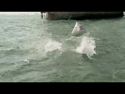 Red Bull Cliff Diving World Series 2010: teaser dive France