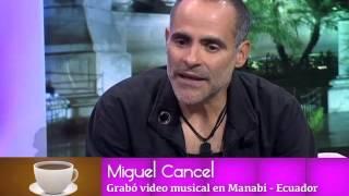 Ex Menudo Miguel Cancel en un Café Con Meche