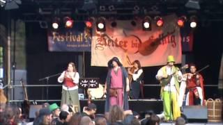 Heiter bis Folkig. 10 Jahre, das Jubiläum, auf dem Festival Mediaval 2015