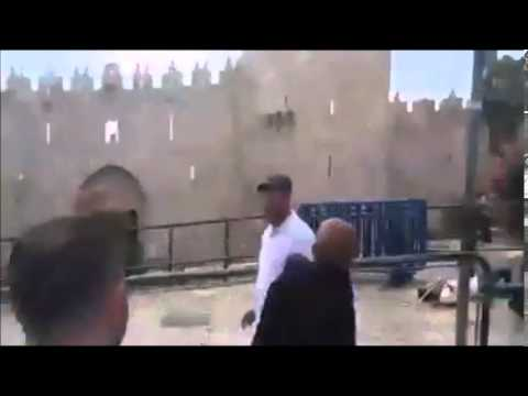Israeli Border Police Stabbed at Shar Shechem in Jerusalem VIEWER DISCRETION IS ADVISED