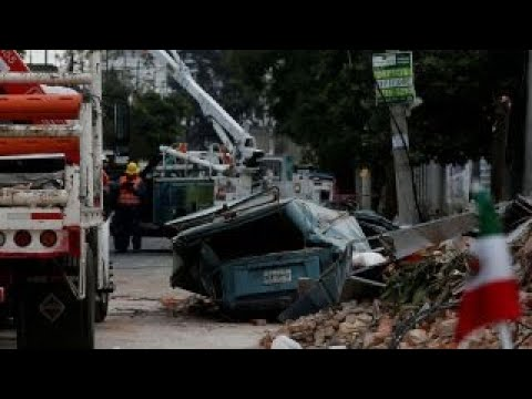 Major earthquake slams Mexico's southern coast