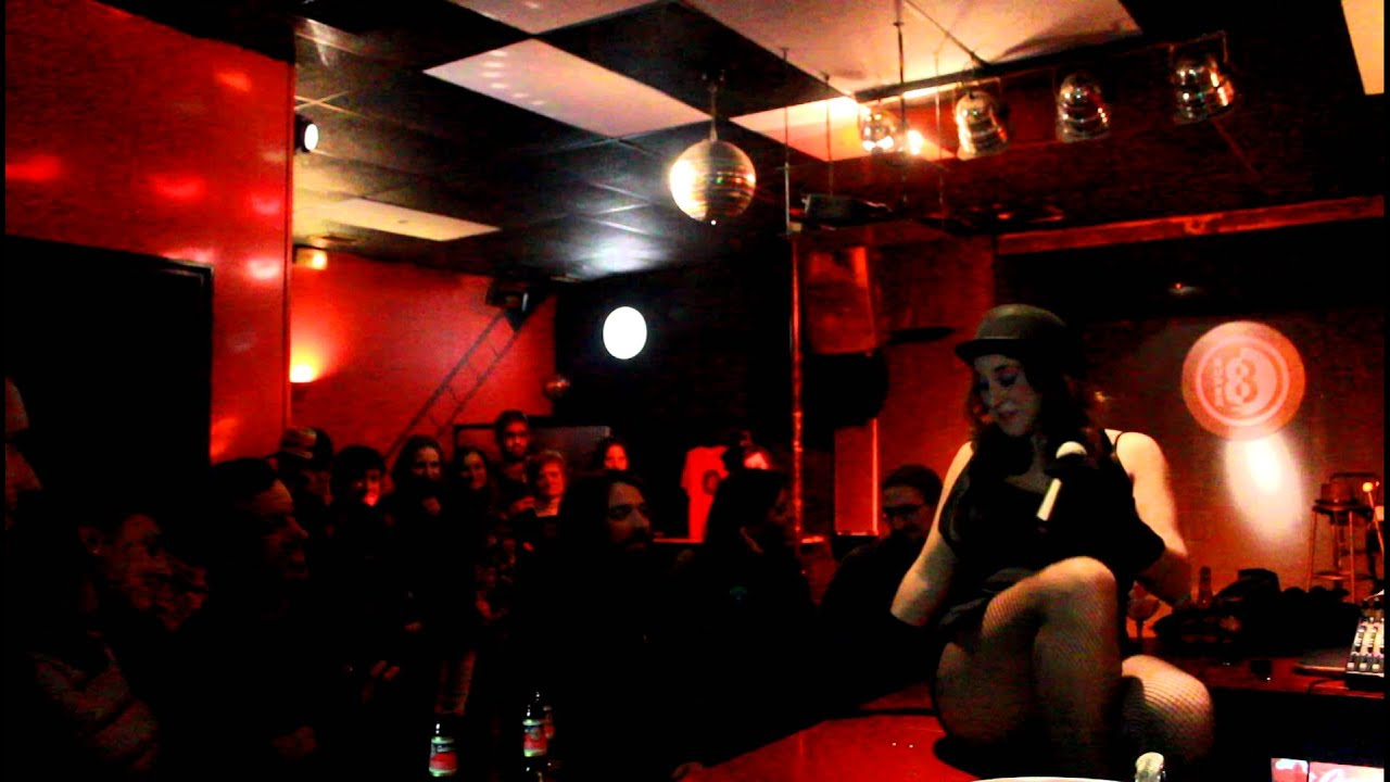 Tribute to cabaret bea garc a sala super 8 ferrol 2 2 for Sala super 8 ferrol
