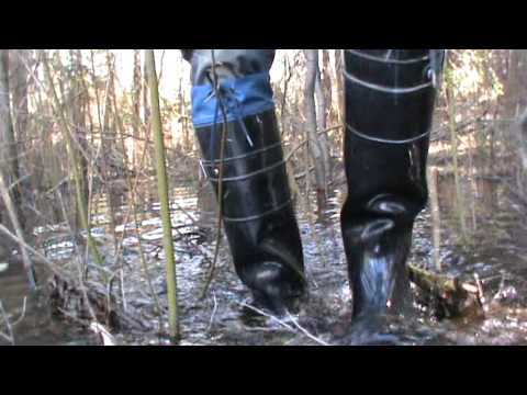 Rubber boots in water M2U00276.MPG