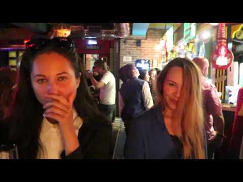 Girls in the Irish Pub in Ufa, Russia - www.giramundostravel.com