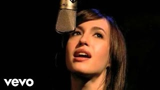 Kate Voegele - Behind The Scenes Of One Tree Hill
