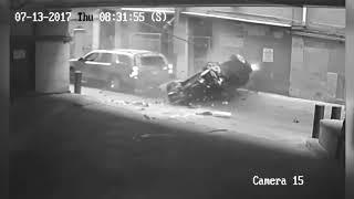 Упал автомобиль с крыши