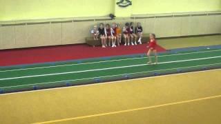 Аня, спортивная гимнастика, опорный прыжок (1) (24.12.2010)