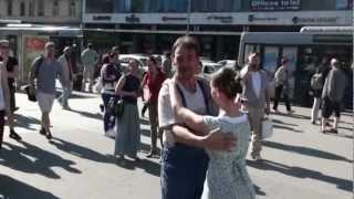 Kalotaszegi flashmob a Blahán