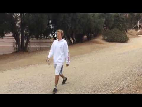 Pap Nation Exclusive: Justin Bieber spotted hiking in Los Angeles CA, 10/30/17