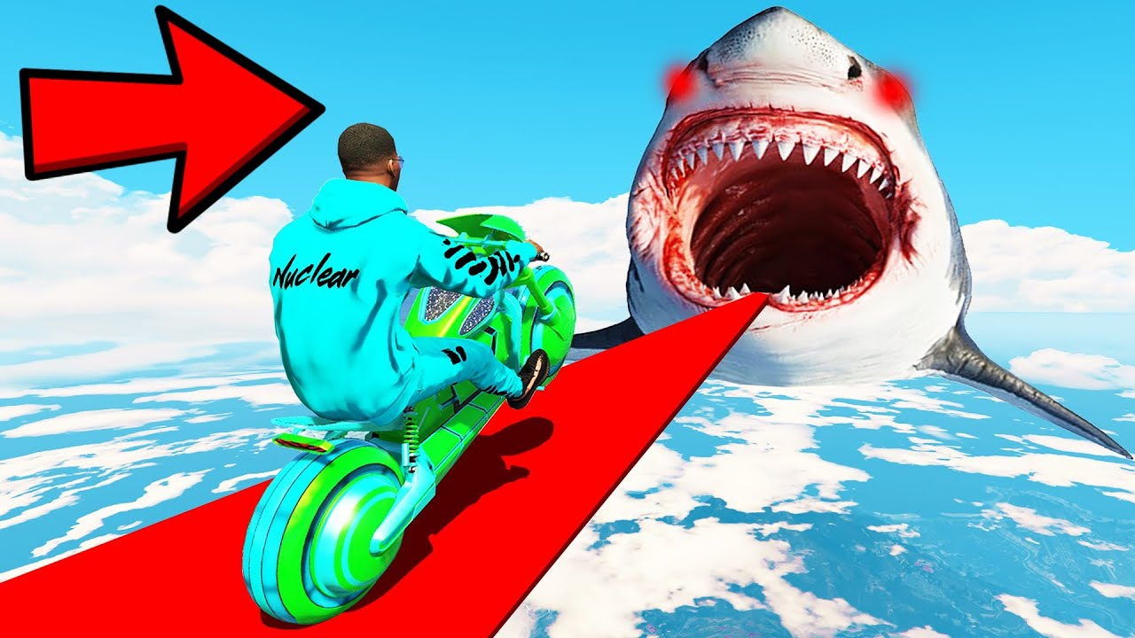 GTA 5: HARDEST TRY NOT TO FALL in SHARK WATER CHALLENGE with CHOP & BOB! (GTA V #9)