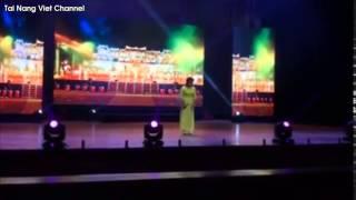 Thiện Nhân biểu diễn Cô Đôi Thượng Ngàn tại quê hương Bình Định