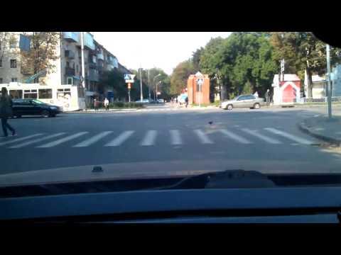Можно ли проехать на мигающий зеленый цвет светофора?