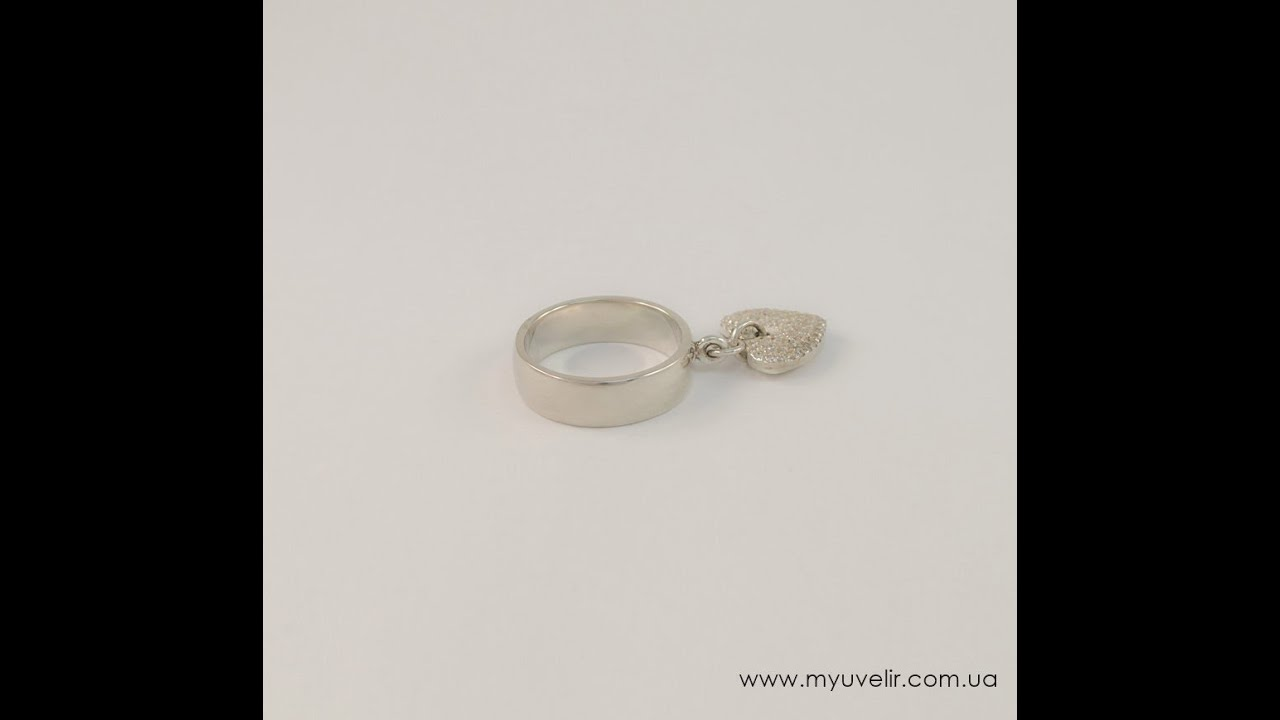 Посмотреть все кольца tiffany, включая обручальные. Большой выбор драгоценных металлов и камней, среди которых цветные бриллианты, жемчуг,