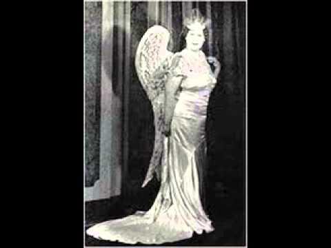 Florence Foster Jenkins Sings