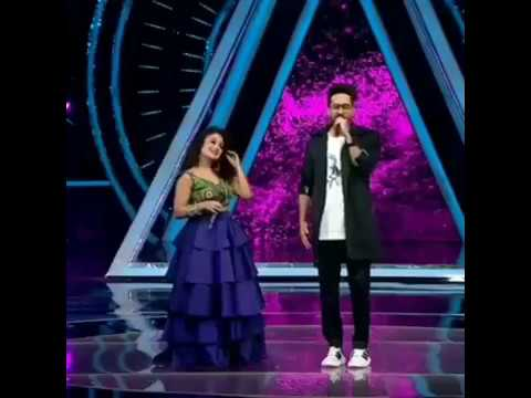 #NehaKakkar Neha kakkar & Ayushmann Khurana First TIME Live Performance HD Ludo khelungi Hot Dance