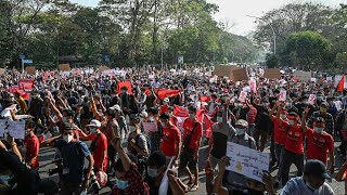 Large-scale demonstrations enter third day in Yangon, Naypyidaw