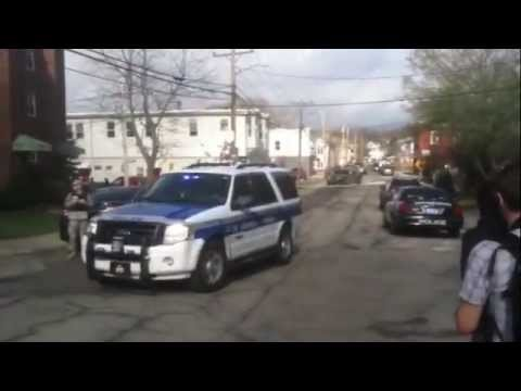 Raw video: Boston bomber manhunt in Watertown, Mass.