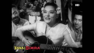 "Bibi Ferreira canta ""Trepa no Coqueiro"" (1947)"