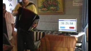 Guinness World Records: Longest marathon playing accordion - New record 31h 25m