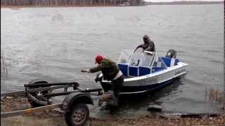 Погрузка лодки на прицеп(, 2013-01-11T08:43:25.000Z)
