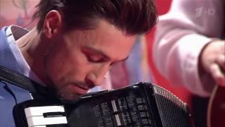 Дима Билан играет на аккордеоне! Шоу