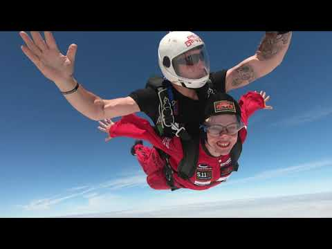Watch Susy's tandem skydive