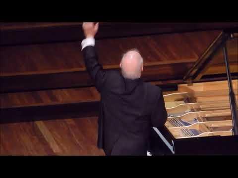 Curtain Call in  Concert Hall, Palau de la Música Catalana  Daniel Barenboim   01.11.18
