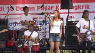 Download New Larista - Lungset - Live Dangdut Performance Mp3