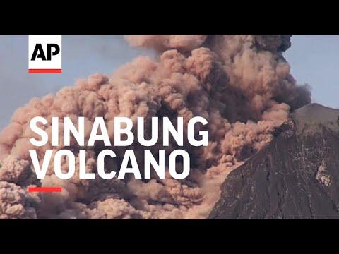 Indonesia - Sinabung volcano spews hot ash | Editor's Pick | 17 Jan 17
