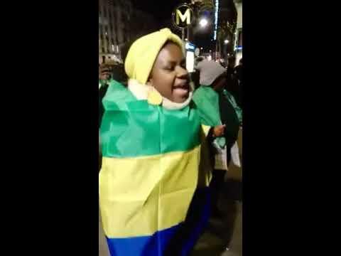 #Gabon - Les résistants protestent sur les Champs Élysées contre le dictateur Ali Bongo