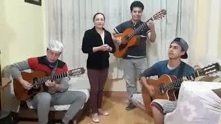 Padres e Hijos Haciendo Música Ecuatoriana