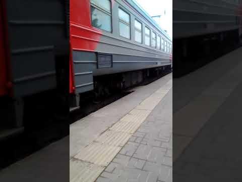 Прибытие поезда на станции Гулькевичи